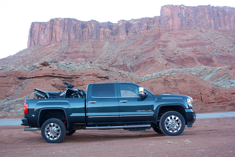 2017 GMC Sierra Denali 2500 HD full black