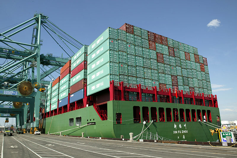 containers at the port of Los Angeles