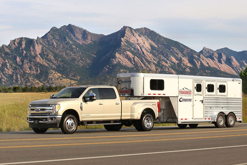 Ford F-350 Tops Analysis of Heavy-Duty Pickup Trucks for