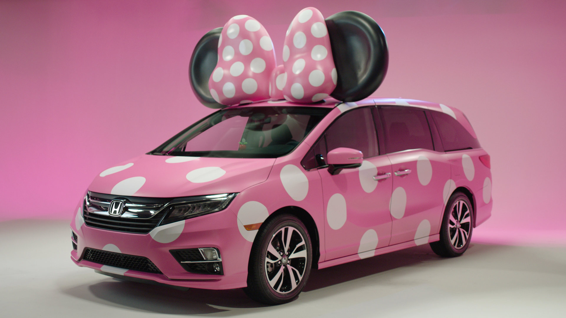Sneak Peek at D23 Honda's New 'Minnie Van'