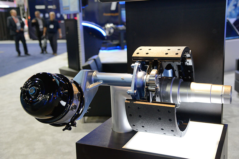 Bendix Air Brake System : Wabco and bendix unveil autonomous safety technology for