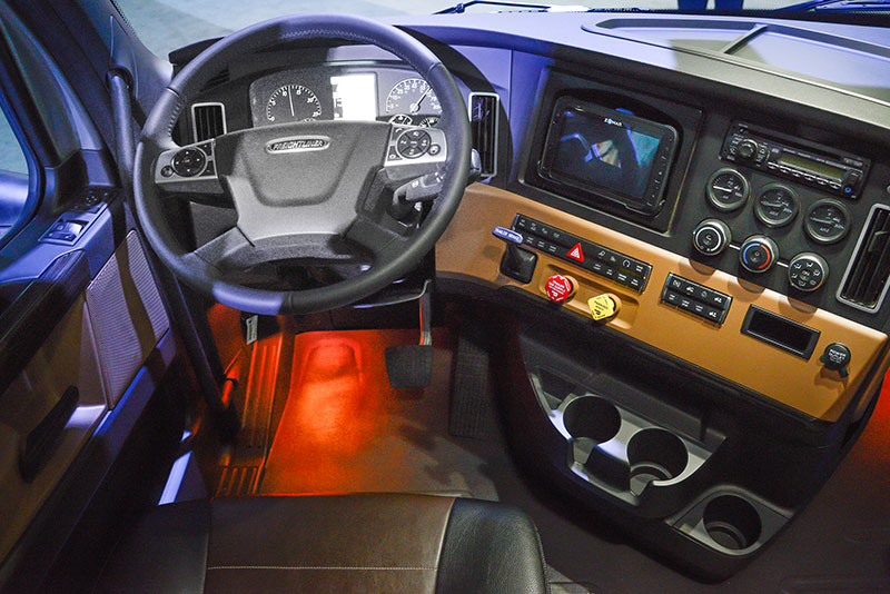 Freightliner Interior Images Galleries With A Bite