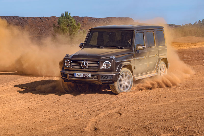mercedes-benz-gclass-angle-side-full