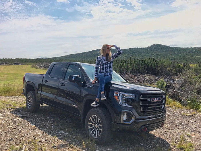 The all-new 2019 Sierra AT4 has standard 4x4, a 2-inch lift, 18-inch wheels with all-terrain tires and its own grill design. (Photo: Trucks.com)