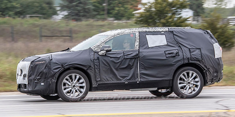 Spy Shots Gm May Soon Unveil A 3 Row Chevrolet Blazer