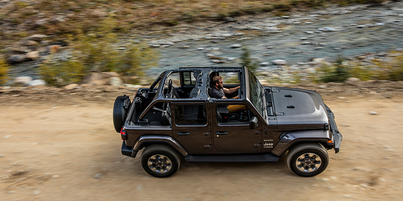 Jeep Wrangler Unlimited Soft Top >> Quick Facts To Know 2019 Jeep Wrangler Unlimited Trucks Com