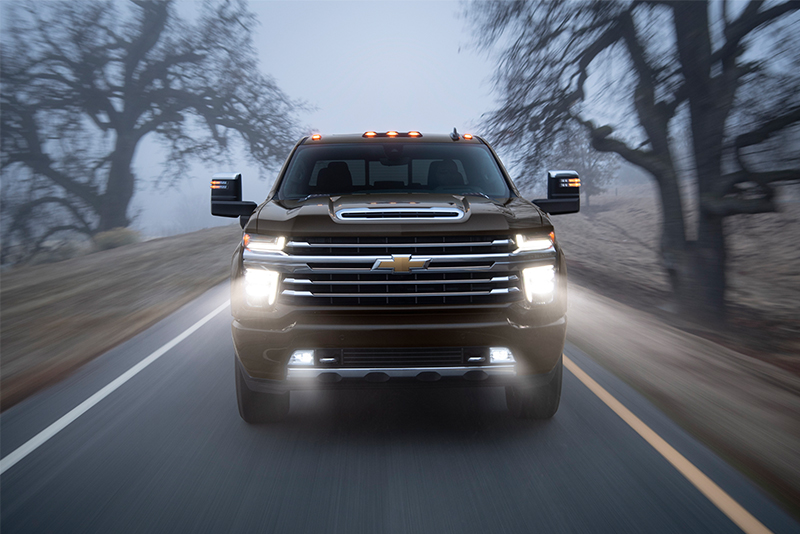2019 Chicago Auto Show 2020 Chevy Silverado Hd Tops In Towing