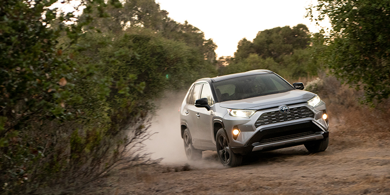 5 Things To Know About Toyota S 2019 Rav4 Hybrid Trucks Com
