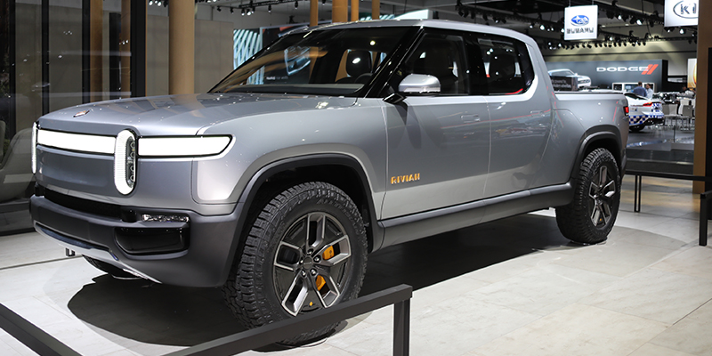Ford Plans New Electric Vehicle With Rivian Invests 500 Million